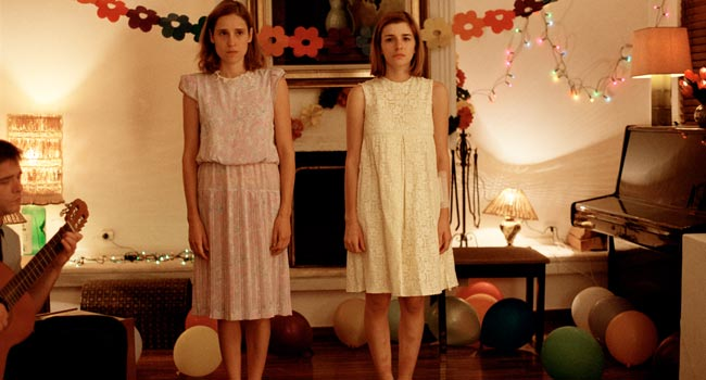 Dogtooth movie