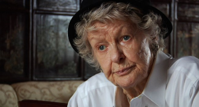 Chiemi Karasawa Shines a Light on Stage Legend Elaine Stritch