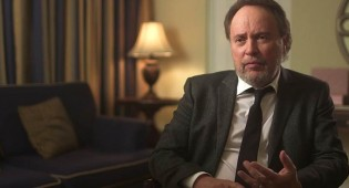 Billy Crystal: How to Host the Oscars & Big Secrets From the 1990 Academy Awards