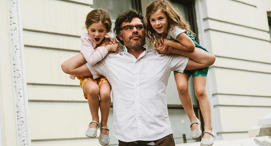 Jemaine Clement Starts Over In 'People, Places, Things' Trailer