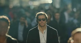 Watch: Jake Gyllenhaal Gets Destructive With a Vending Machine in 'Demolition' Trailer